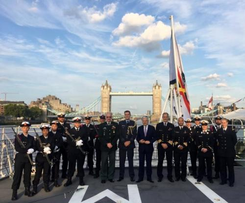 Visit of Minister of Defense and CHOD in company of students during the visit in London
